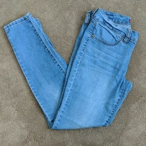 Faded skinny jeans by Elle